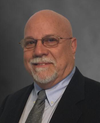 Headshot of Robert  Papanicolas