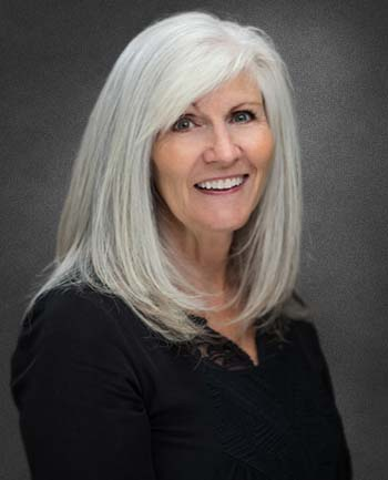 Headshot of Leslie Grimm