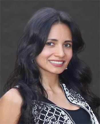 Headshot of Elena  Vasquez Henriquez