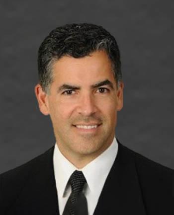 Headshot of Raul  Alvarez
