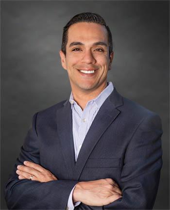 Headshot of Oscar Melendez