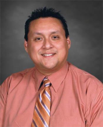 Headshot of Rafael  Unzueta