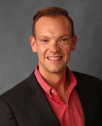 Headshot of Derek  Graber