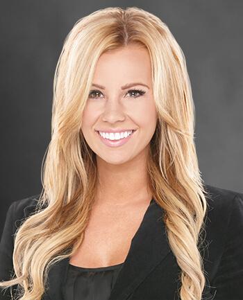 Headshot of Amanda Berg
