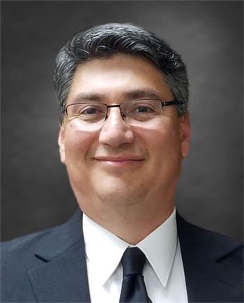 Headshot of Peter Torres