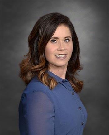 Headshot of Nikki Syring