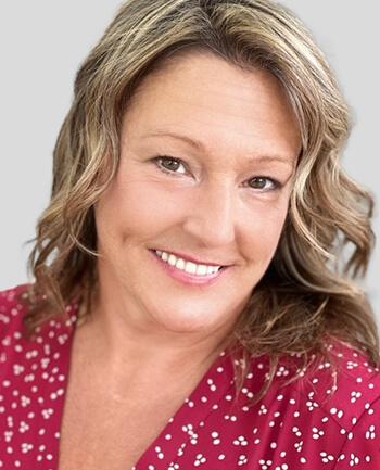 Headshot of Deana Ehrhardt