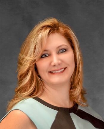 Headshot of Lisa  Benjamin