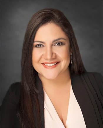 Headshot of Vanessa Lemos