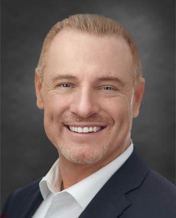 Headshot of Gordon Duncan