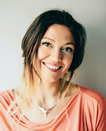 Headshot of Tammy Scarlett
