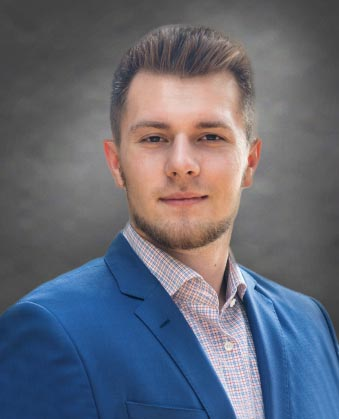 Headshot of Taras  Duhnevich