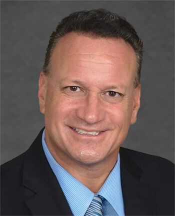 Headshot of Roger Guzman