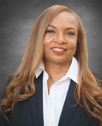 Headshot of Valerie Warren