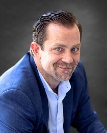 Headshot of Paul Moffitt