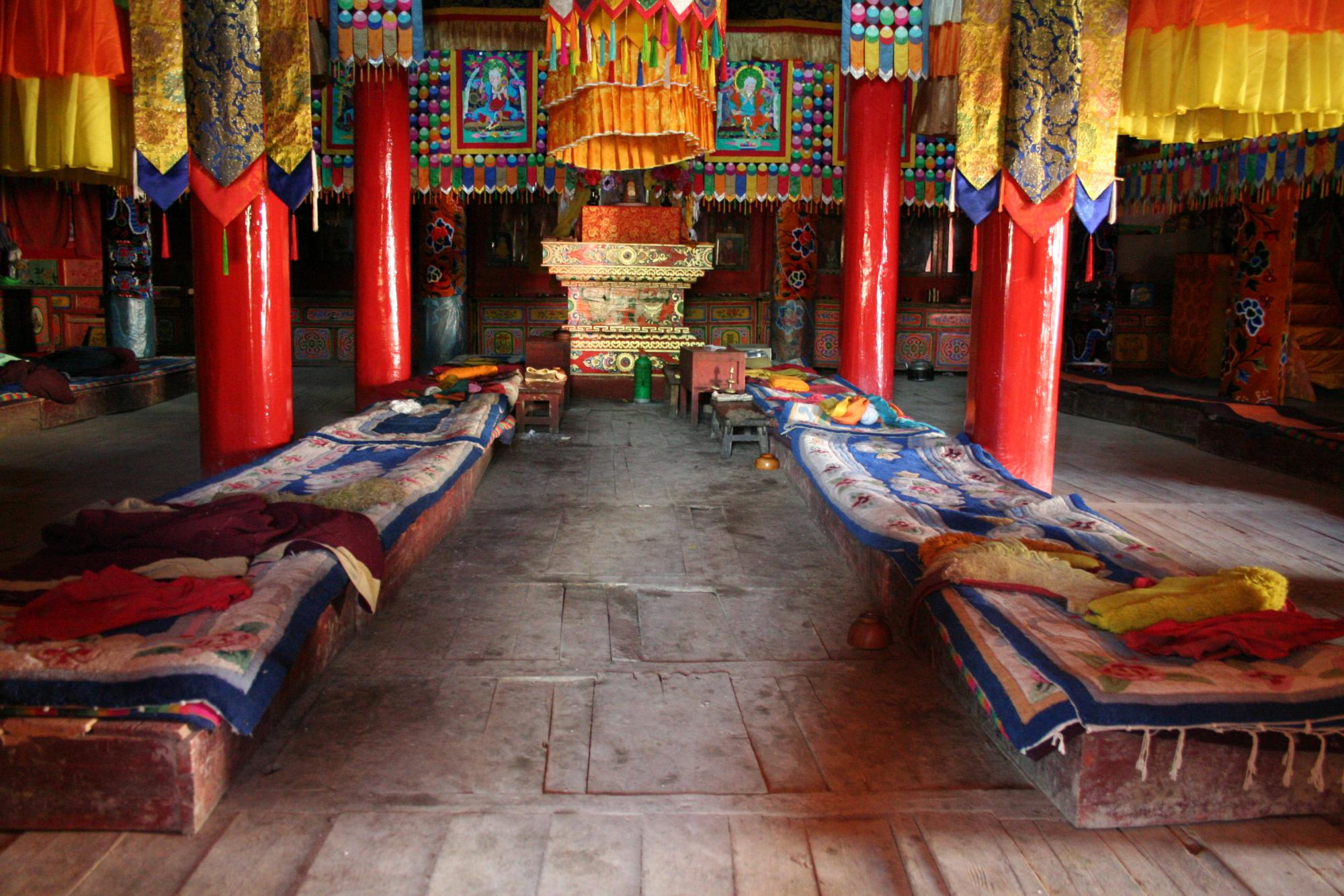 Image of Assembly Hall Interior, Tak Monastery
