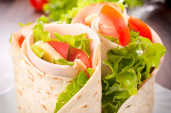 Sandwich wrap with turkey and vegetables
