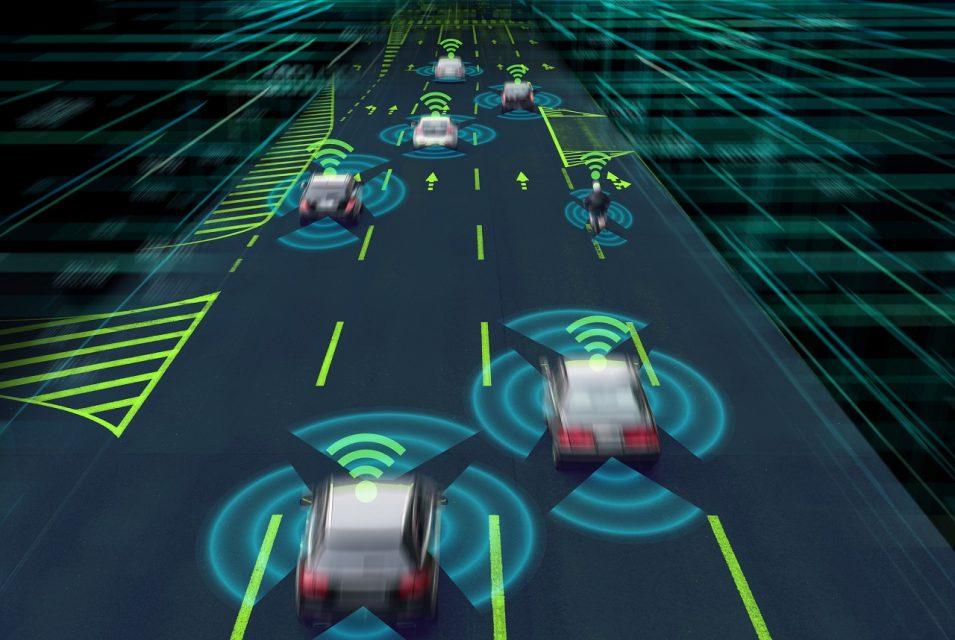 Smart road, primo via libera alla guida autonoma