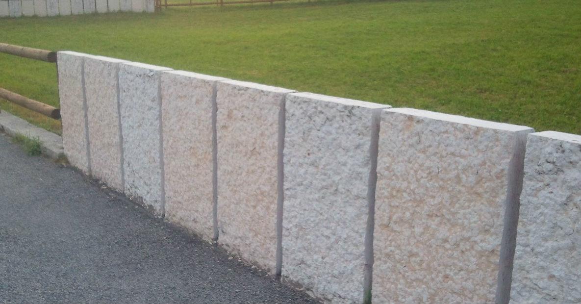 Muro Di Sostegno A Confine.Rapporti Di Vicinato Muri Di Cinta E Muri Considerati Costruzioni