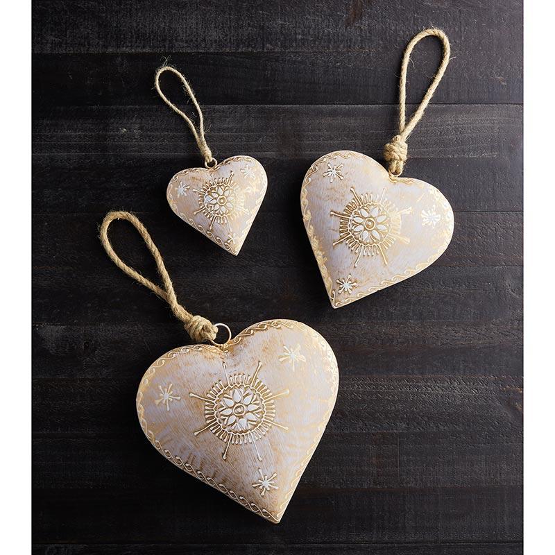 environ 7.62 cm Handmade Tissu hanging hearts 3 in gris et ocre.