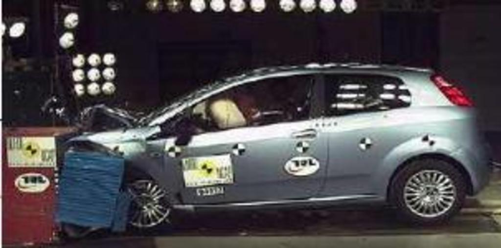 fiats record sets star the rating test a punto image got crash fiat in new ncap f euro lead unwelcome zero