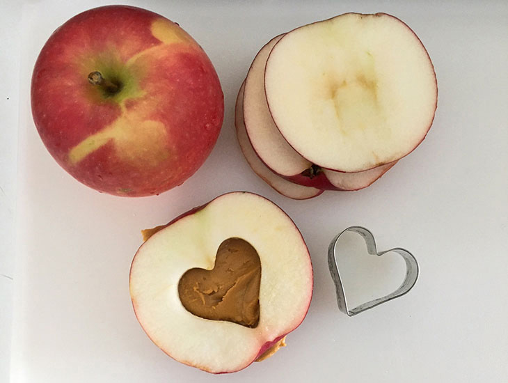 Blog Healthy Apple Sandwiches for Valentine's Day
