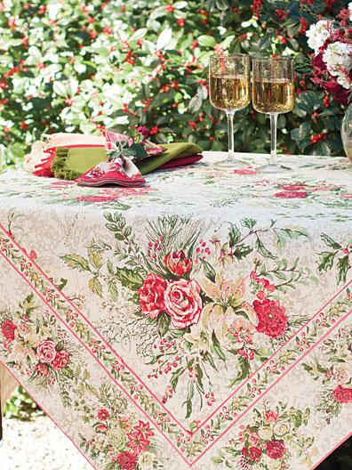 Merry Tablecloth Antique Attic Sale Linens Amp Kitchen