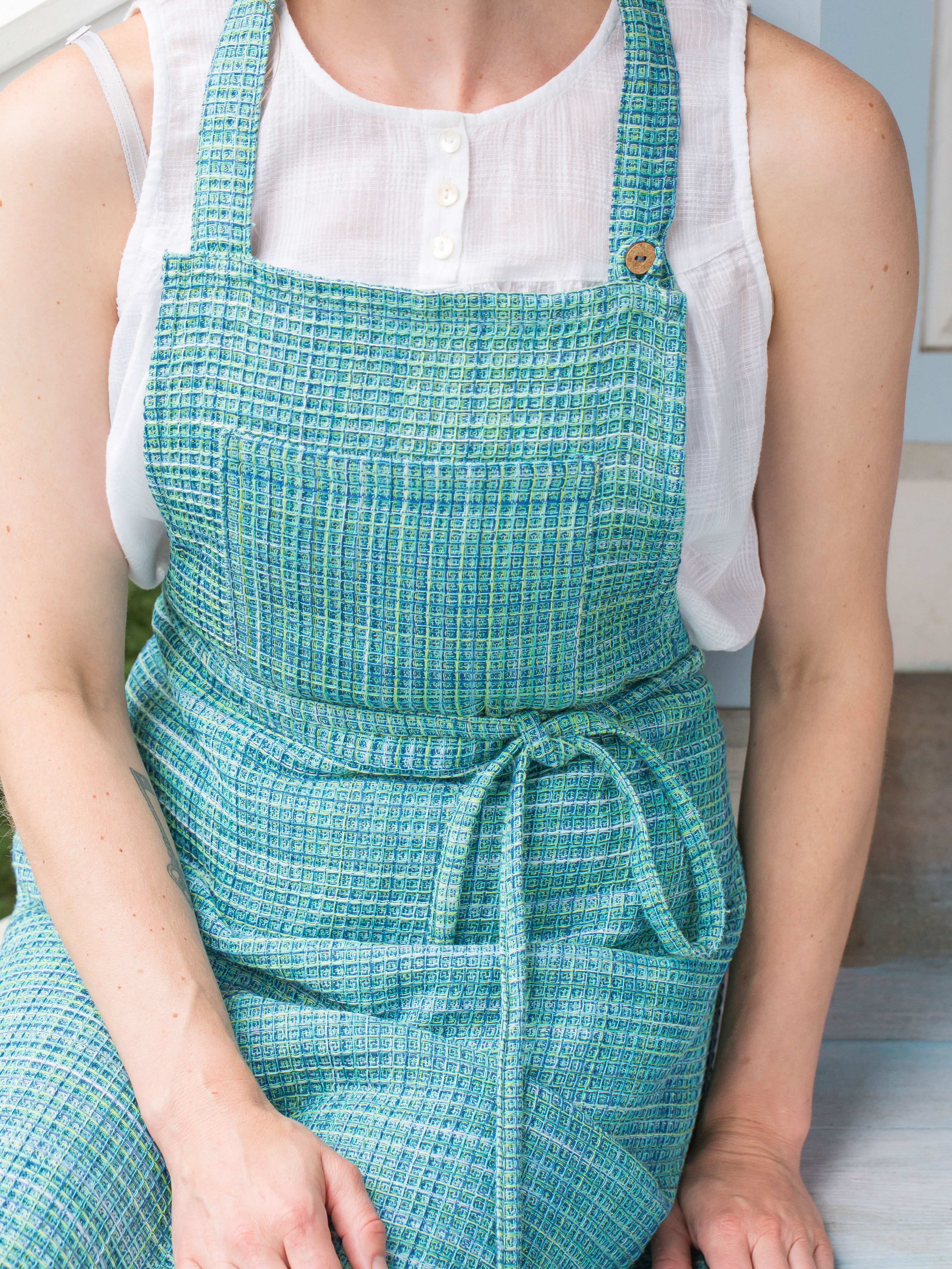 Misty Island Honeycomb Apron | Linens & Kitchen, Aprons, Ovenmitts ...