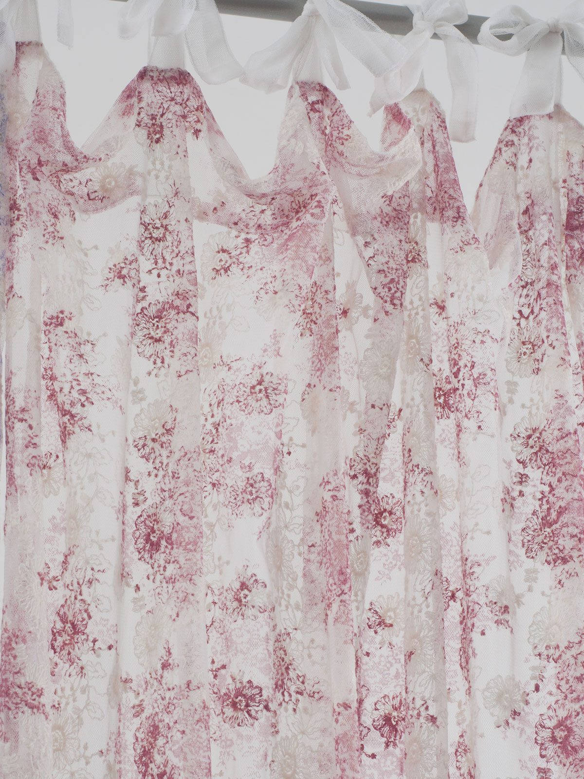 Anglaise Net Curtain   Rose