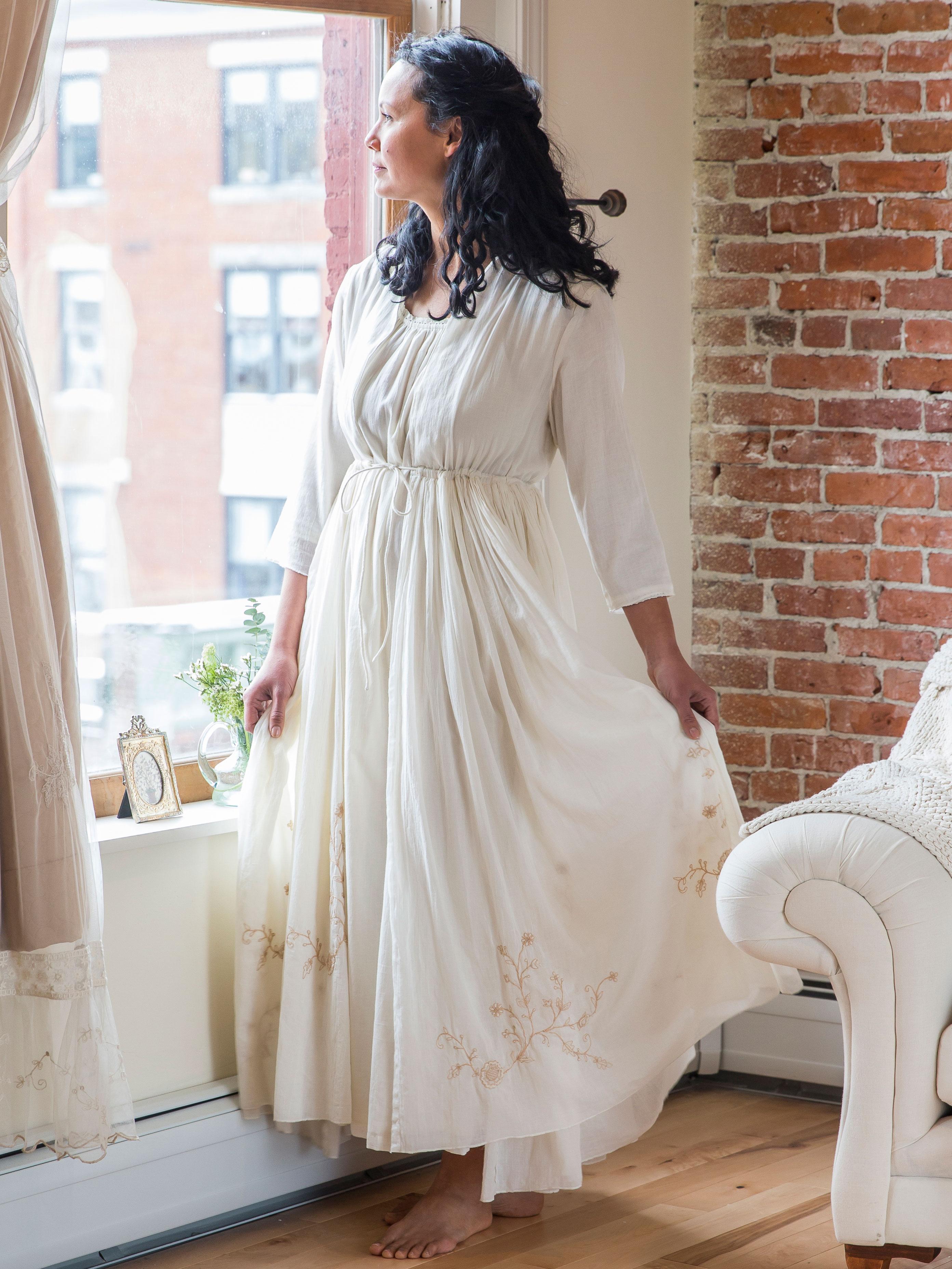 Patience Dressing Gown · Alternate2 5d36e7c1a4