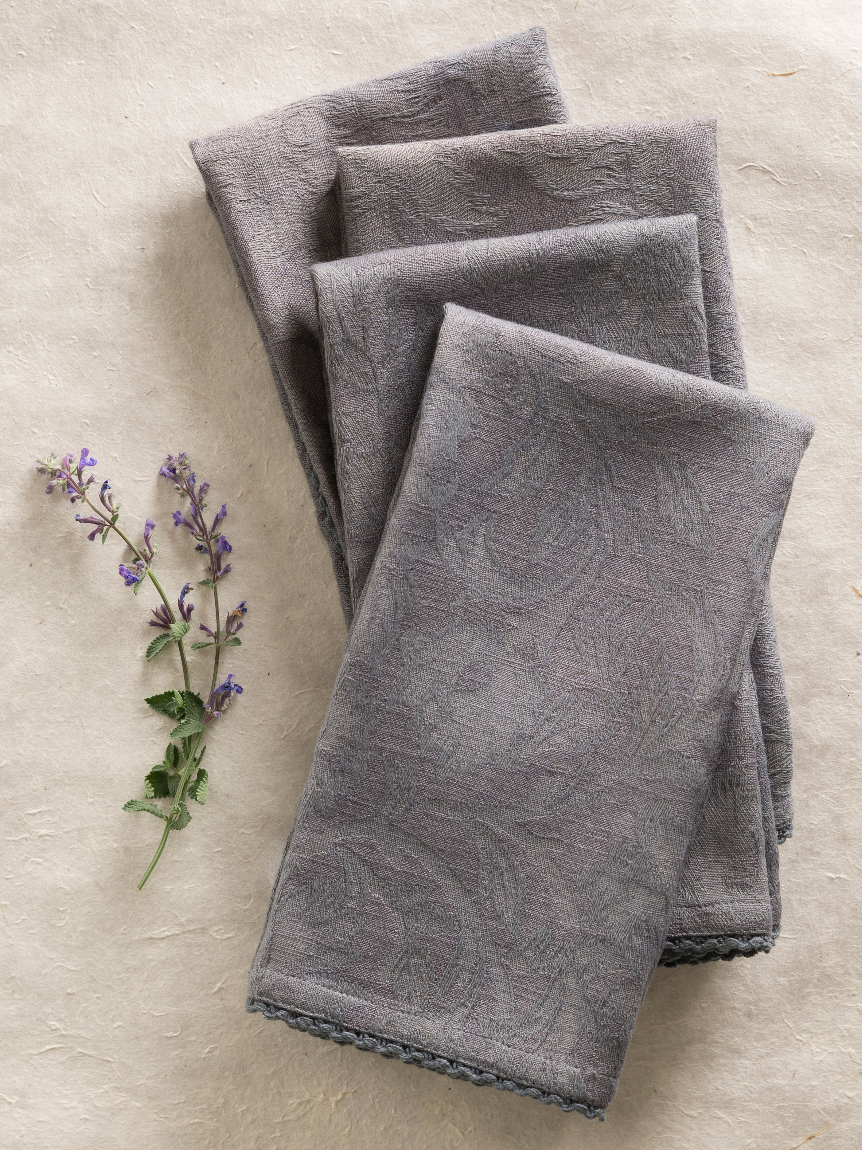 Luxurious Linen Jacquard Napkin Set of 4 - Charcoal