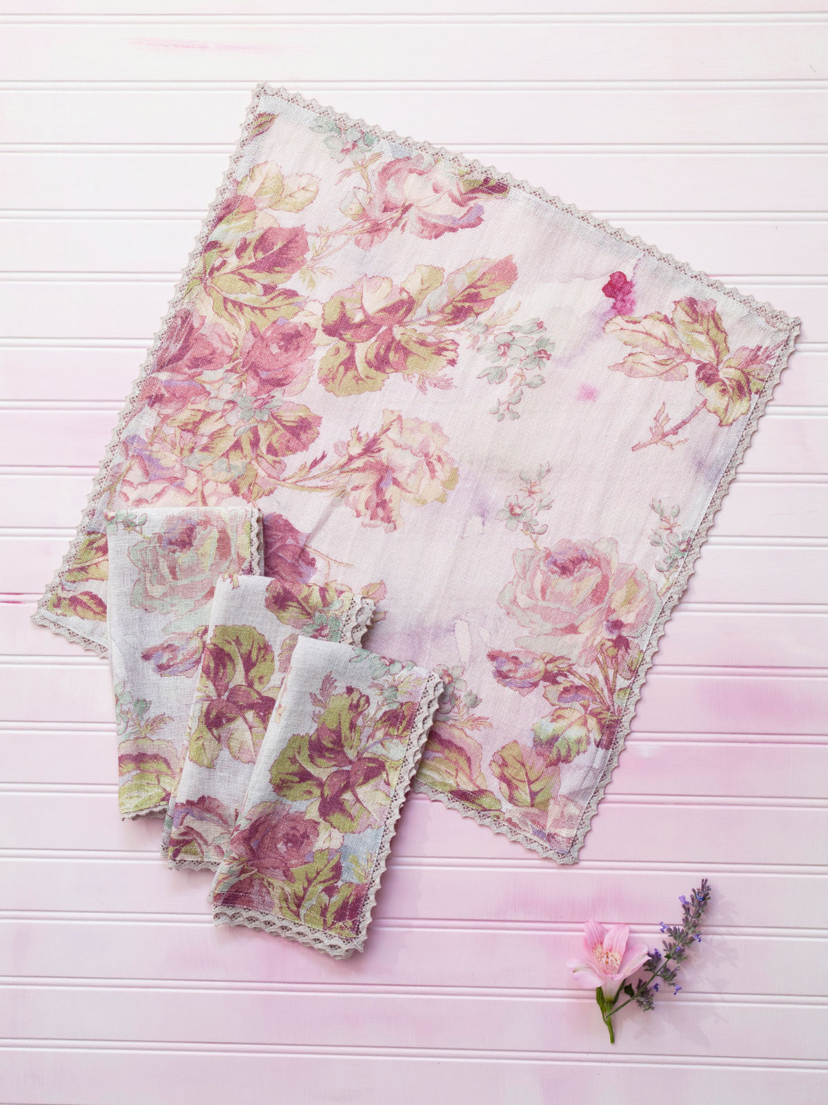 Victorian Rose Linen Napkin Set 4 Linens Amp Kitchen
