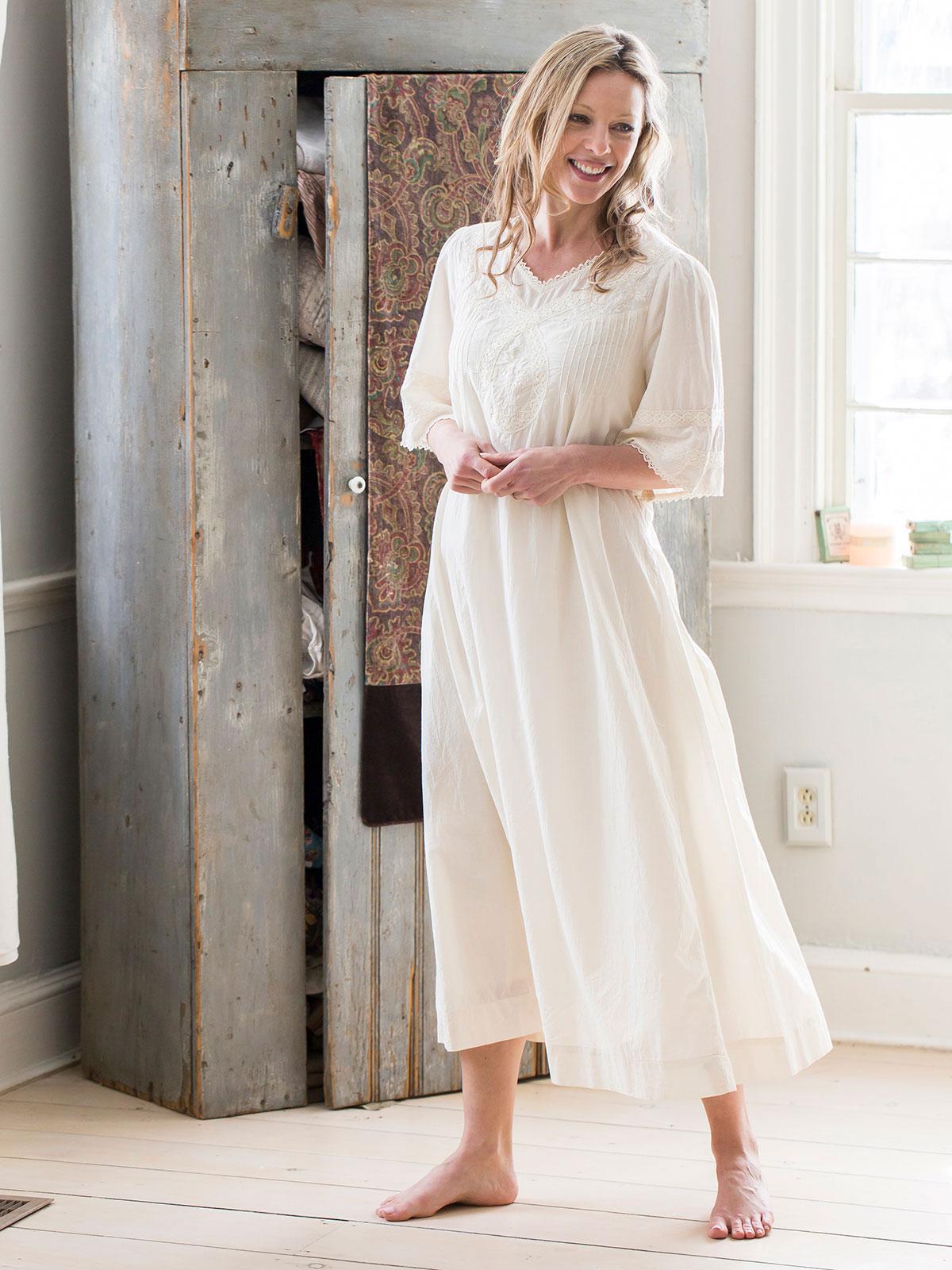 Moonstruck Nighty   Ladies Clothing, Nighties & Dressing Gowns ...
