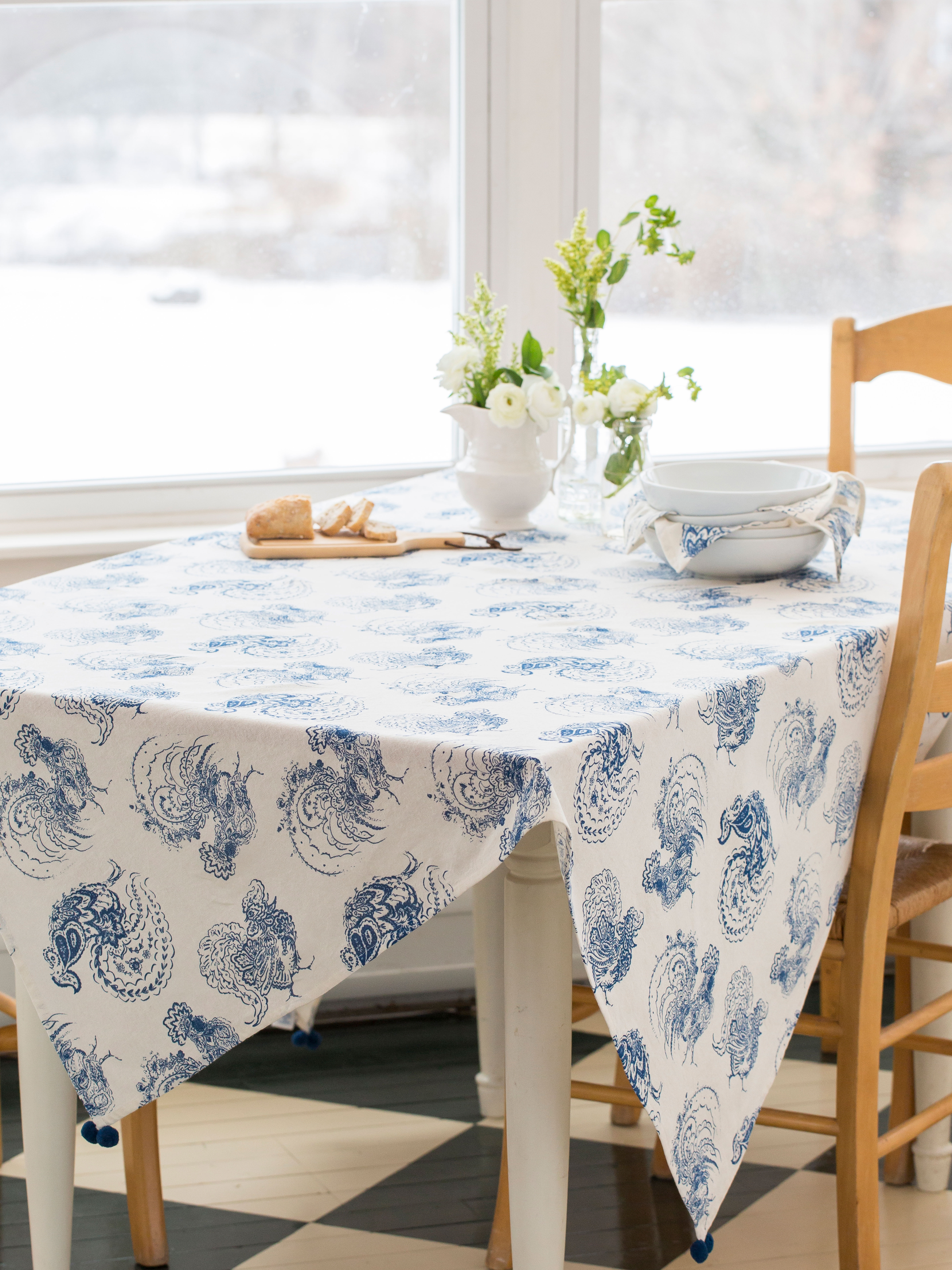 Backyard Rooster Tablecloth Kitchen Amp Table Linens