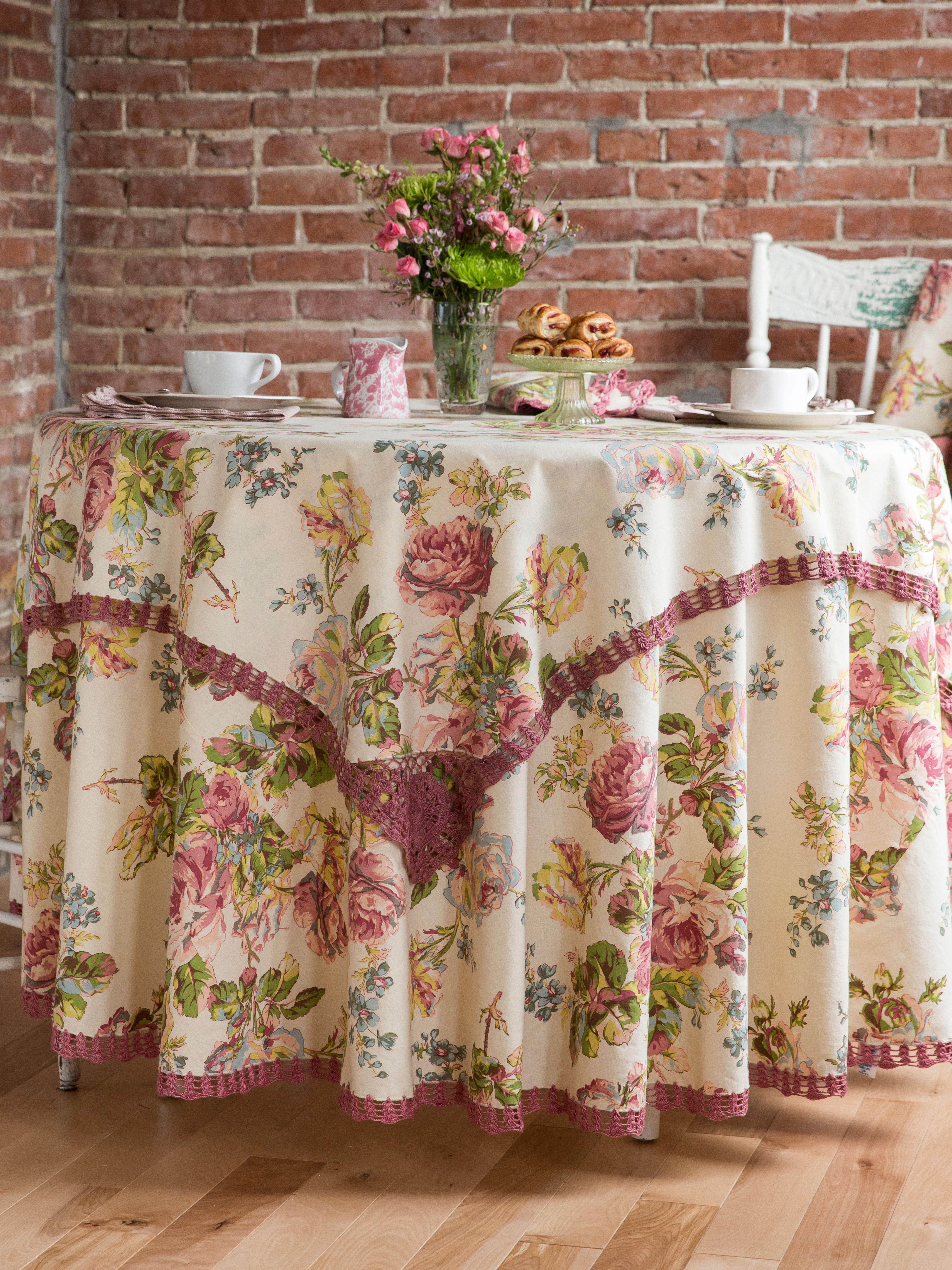 Amazing Victorian Rose Crochet Tablecloth