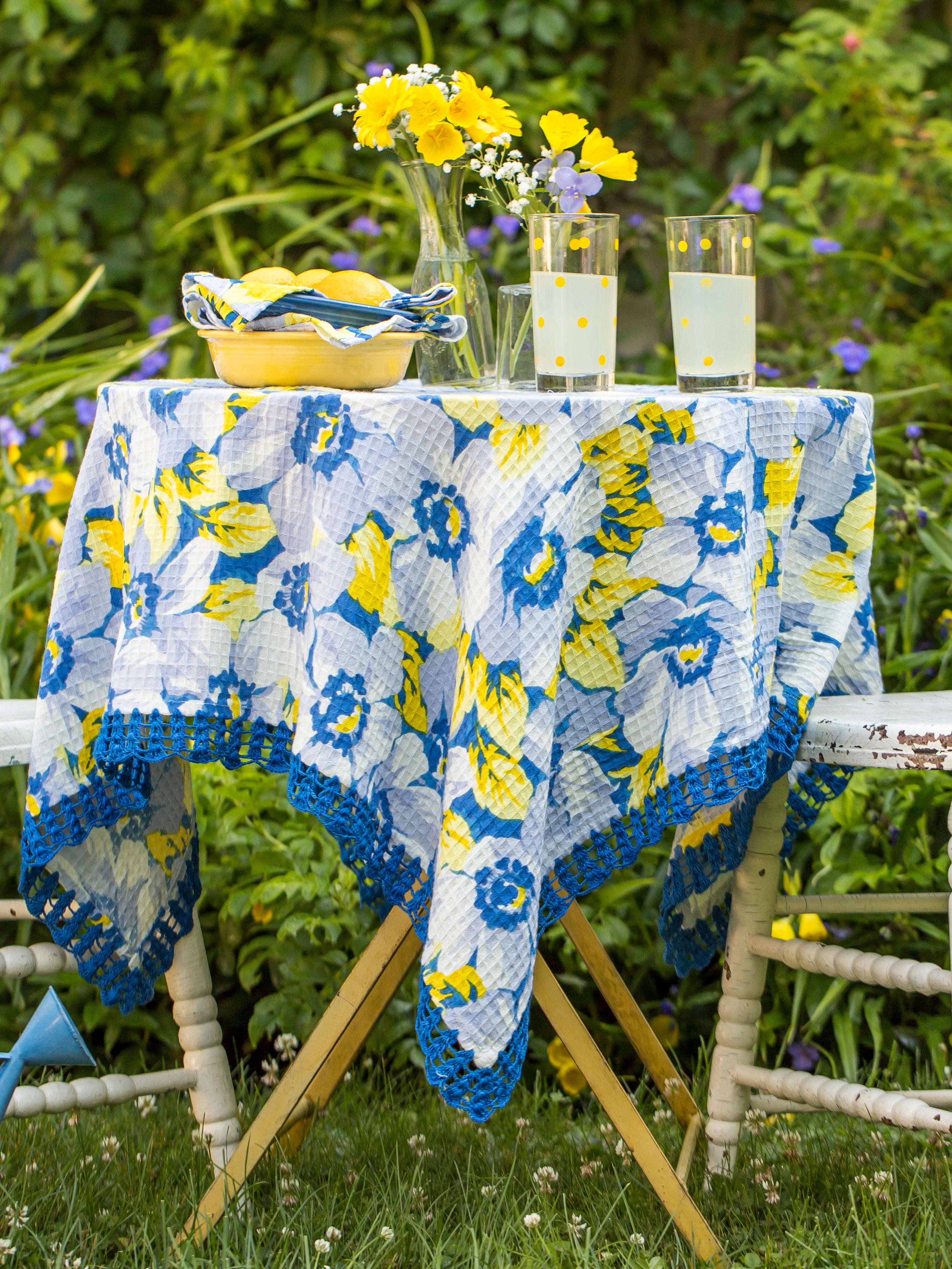 Daydream Honeycomb Tablecloth