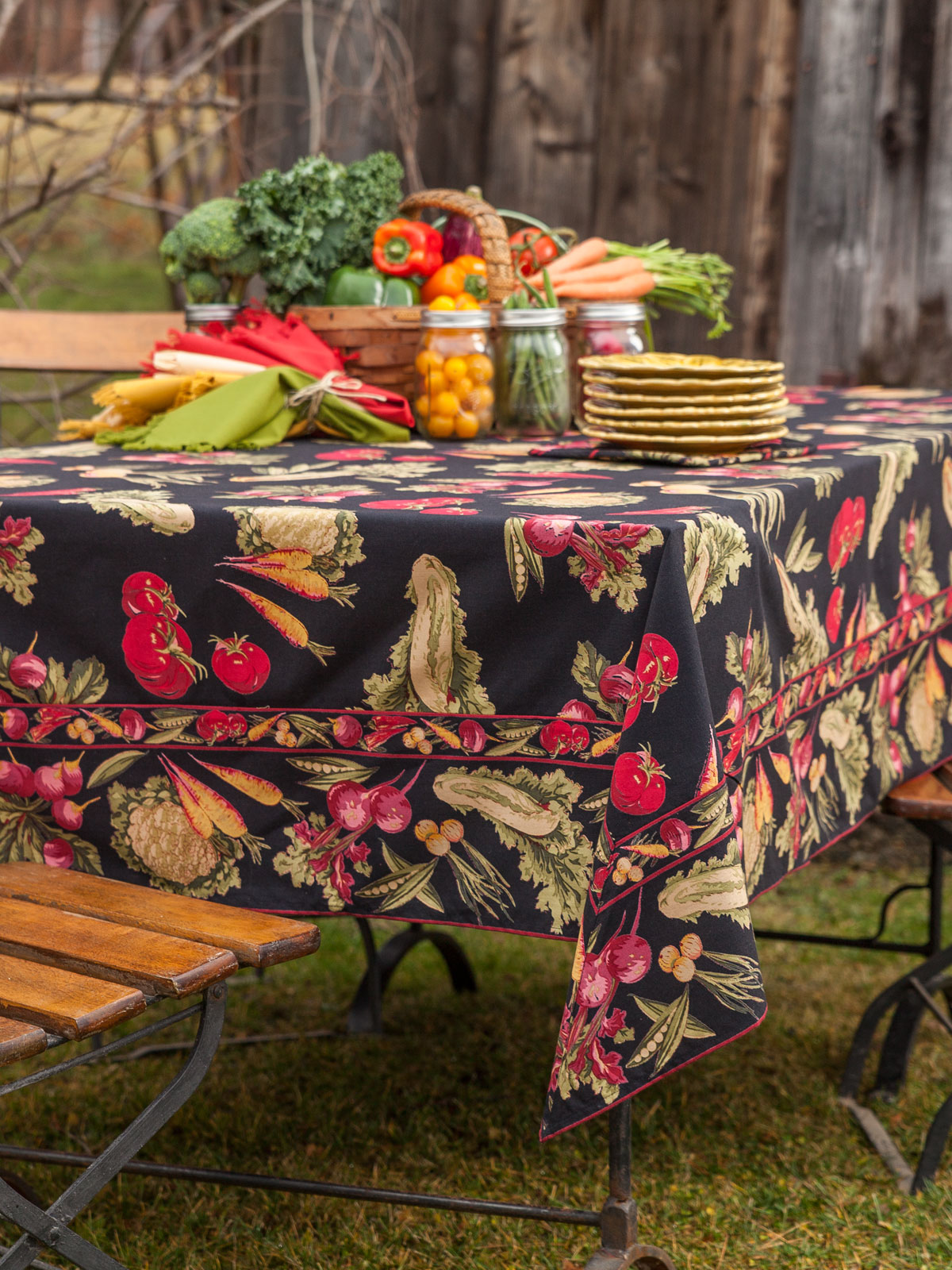 Farm Fresh Tablecloth - Black