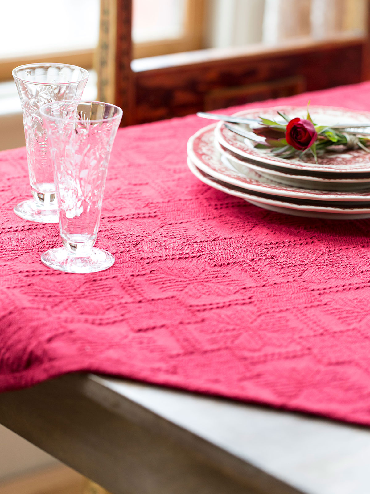 Superbe Homespun Matelasse Tablecloth