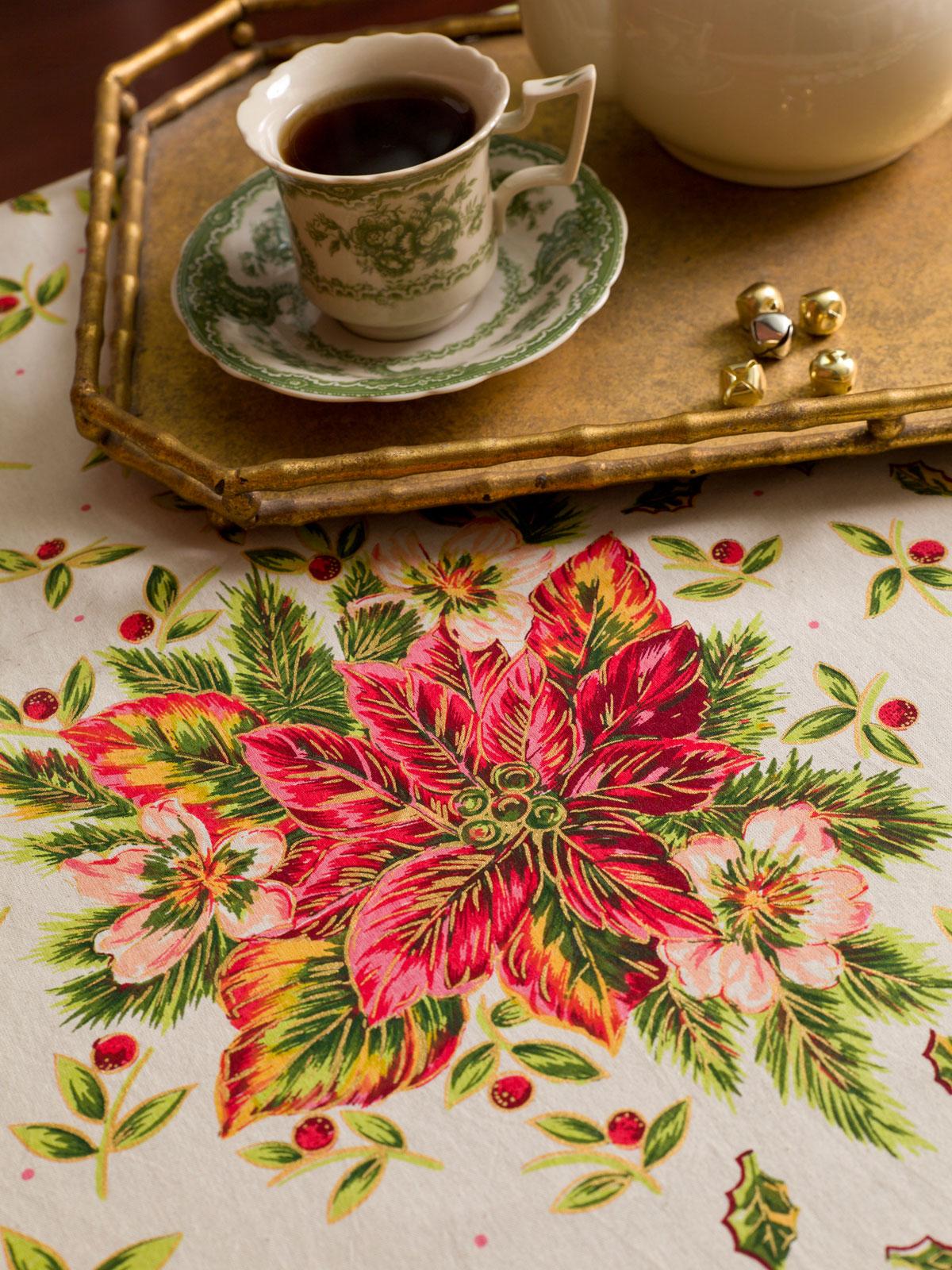 Merveilleux Alternate2 · Poinsettia Tablecloth