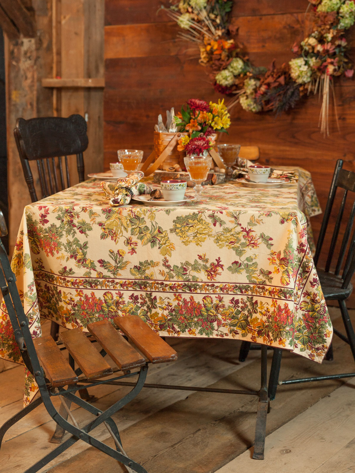 Reverie Tablecloth Attic Sale Linens Amp Kitchen Attic