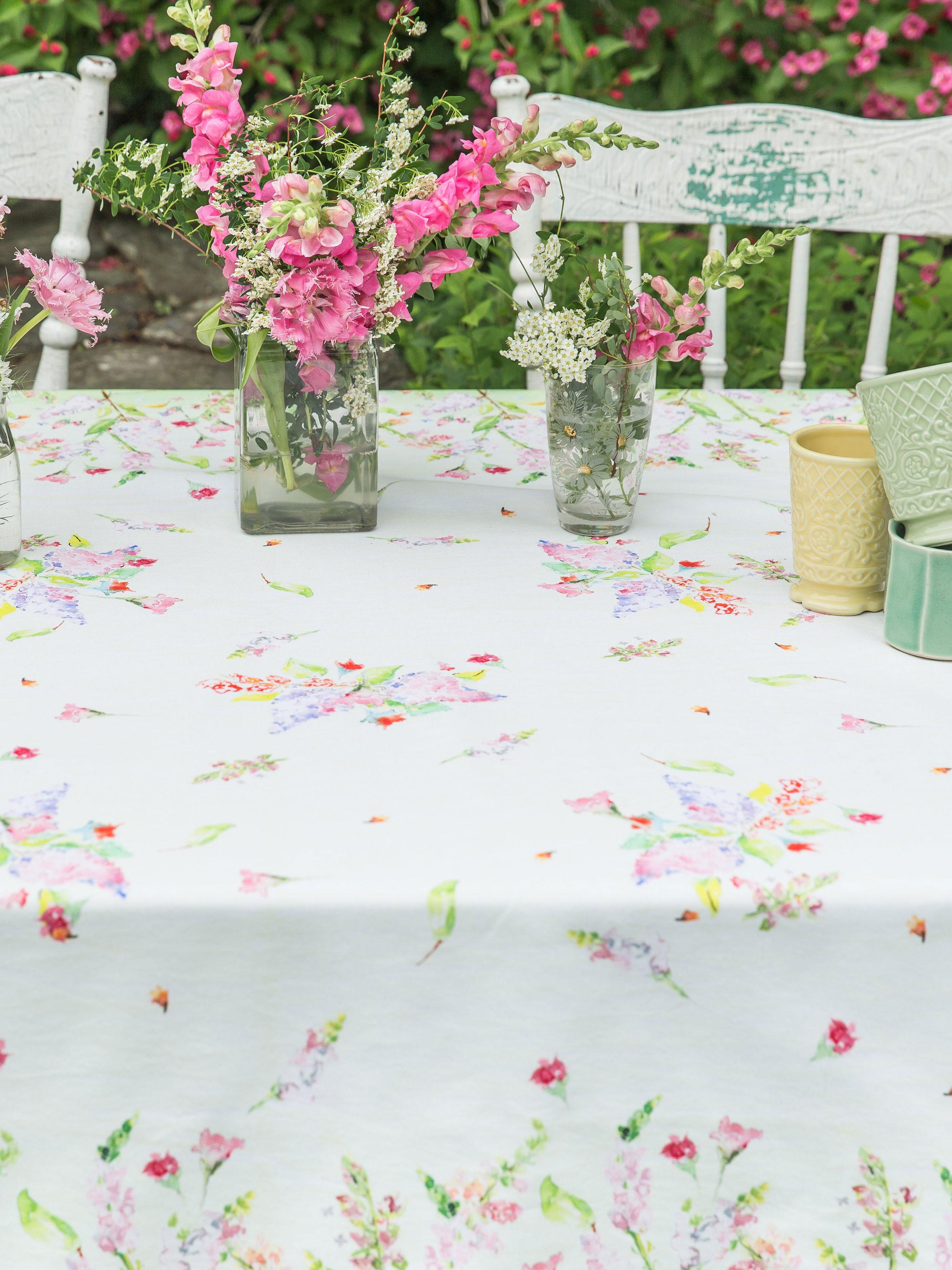 Amazing Snapdragon Watercolor Tablecloth