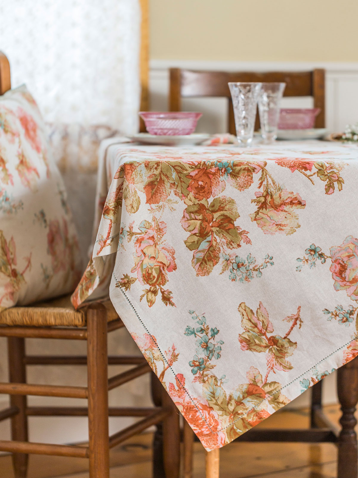 Victorian Rose Tablecloth Kitchen Amp Table Linens