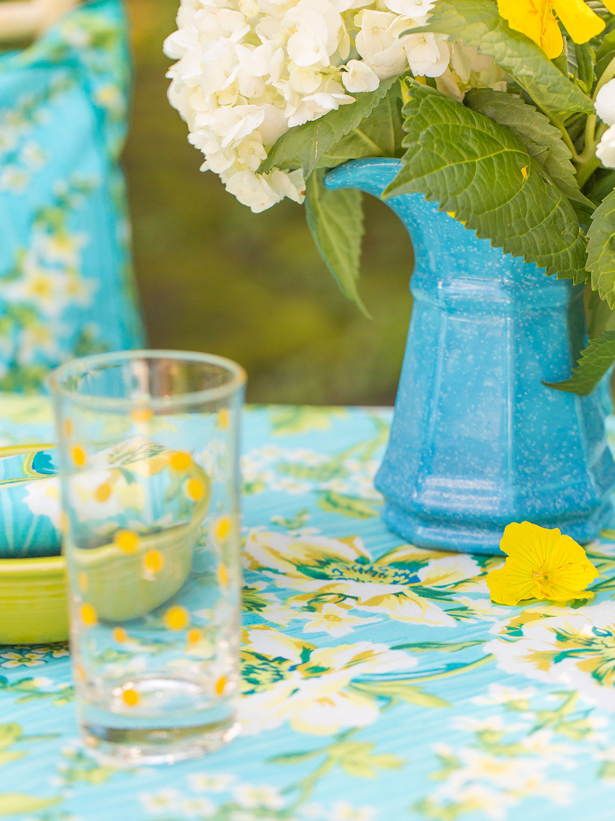 Water Lily Tablecloth Linens Amp Kitchen Tablecloths
