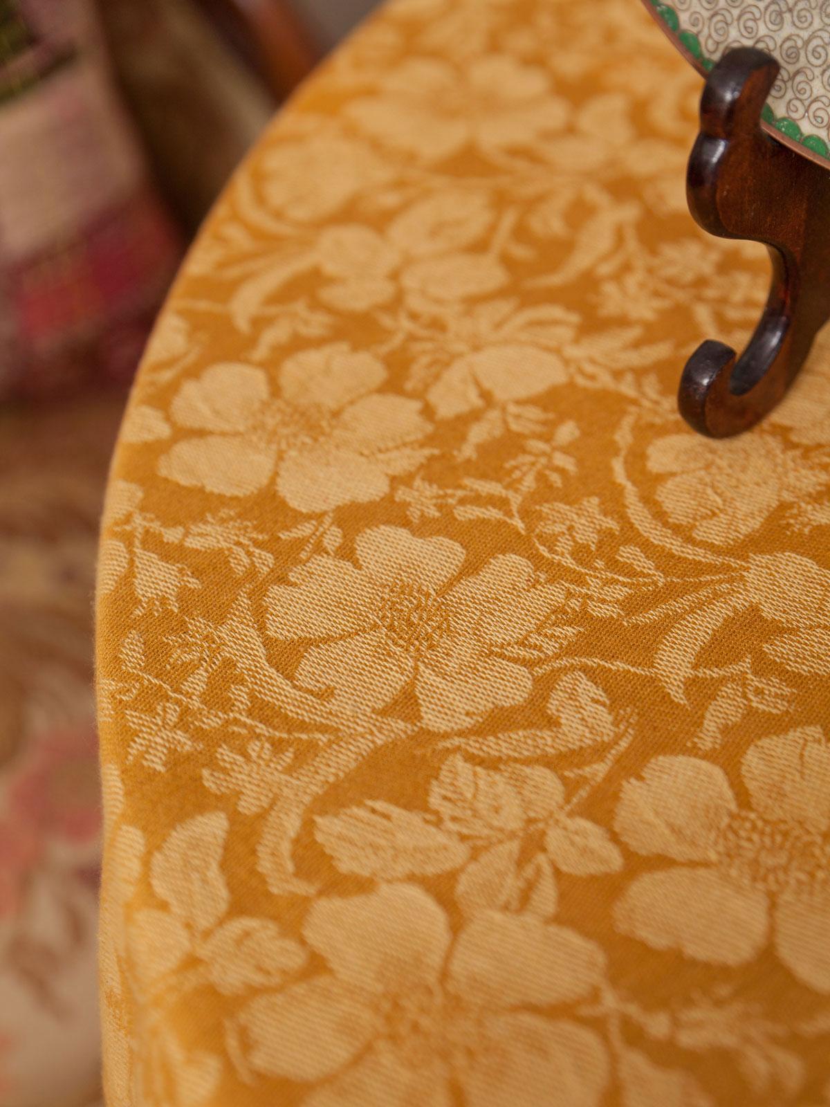 Peony Jacquard Tablecloth - Gold