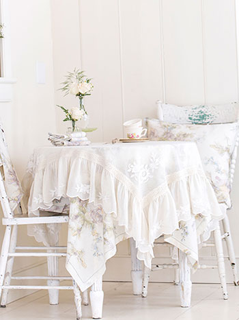 Romance Table Set