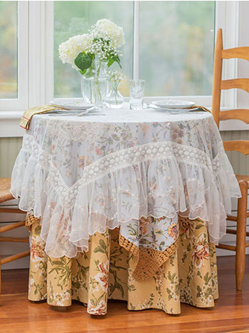 Cottage Living Layered Table Set