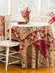 Good Tidings Layered Table Set
