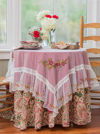 Comfort & Joy Layered Table Set