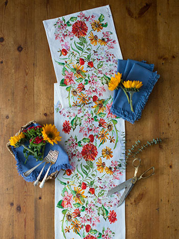 Zinnia Bouquet Runner Napkin Bundle