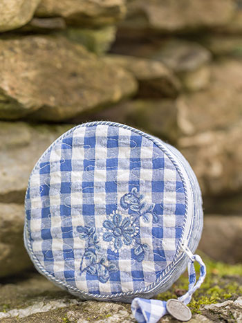 Picnic Patchwork Round Cosmetic Bag
